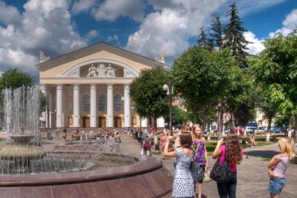 Калугу, город Калуга, фонтан в Калуге, фото Калуги.