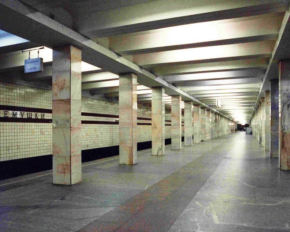 Заказать машину на перевозки дачный переезд к метро Новые Черёмушки