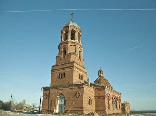 Бобров, Покровский храм.